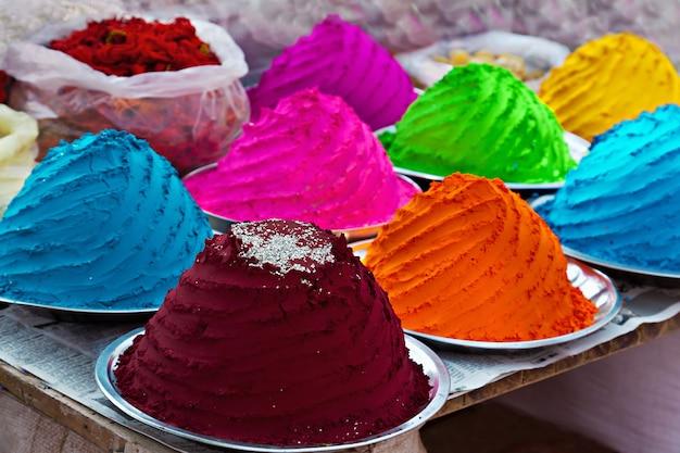 Pó colorido indiano