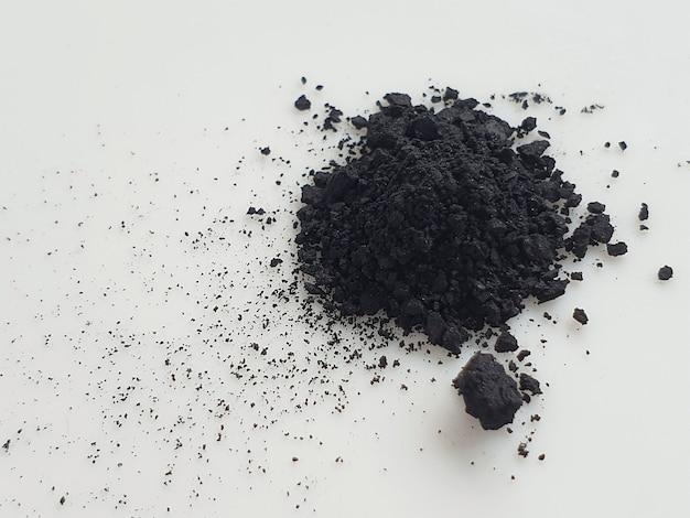 Pó de carvão ativado em branco