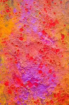 Pó roxo colorido na mesa