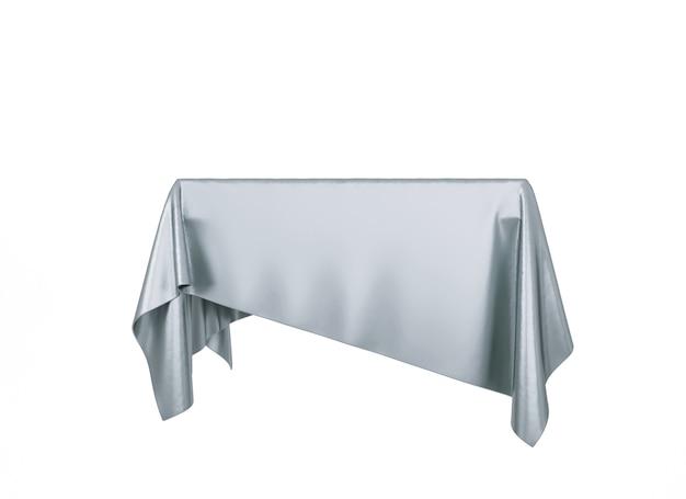 Pódio de pedestal de pano de seda prata isolado no fundo branco. renderização 3d.