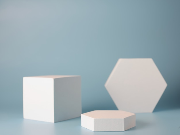 Pódios para apresentação de produtos em azul
