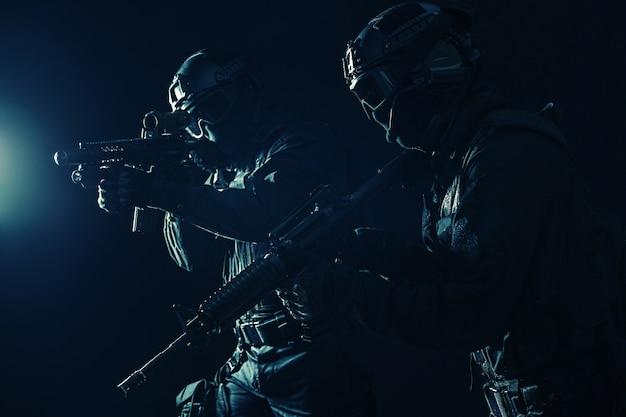 Policiais de operações especiaisswat