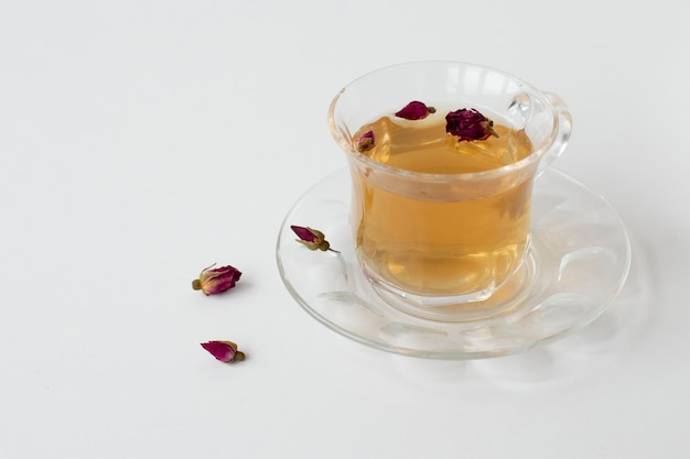 Policial de chá com flores secas