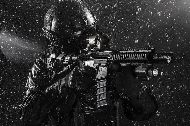 Policial de operações especiais swat