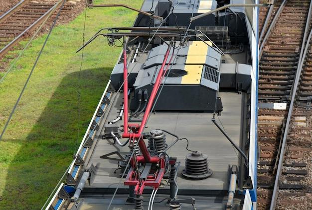 Pólo de abastecimento de energia elétrica ferroviária.