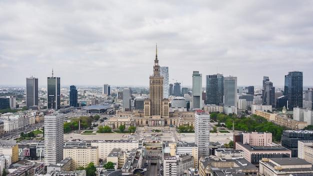 Polônia, varsóvia, maio de 2019 - vista aérea do centro de varsóvia