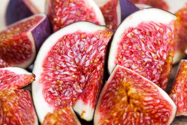 Polpa de figo vermelha brilhante deliciosa com sementes
