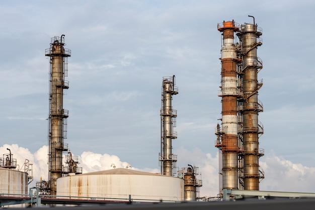 Poluição ambiental e exterior da indústria à luz do dia