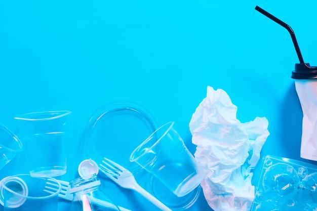 Poluição da água. conceito de ecologia. proteção ambiental. lixo e reciclagem.