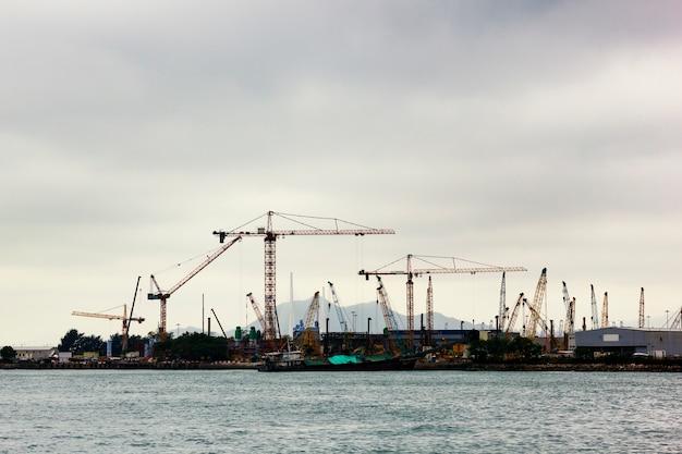 Poluição do engenheiro de construção industrial