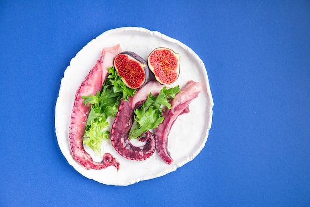 Polvo comida salada frutos do mar porção fresca pronta para comer refeição lanche na mesa copie espaço