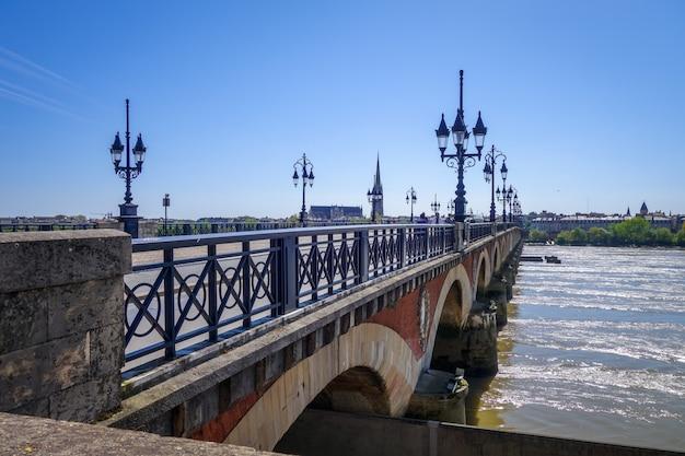 Pont de pierre - ponte de pedra - bordeaux, frança