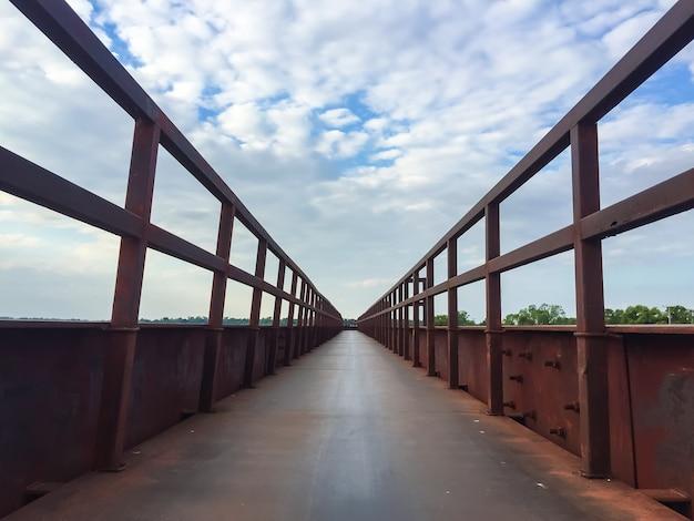 Ponte de aço