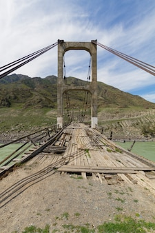 Ponte de madeira velha
