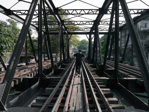 Ponte ferroviária em banguecoque, tailândia