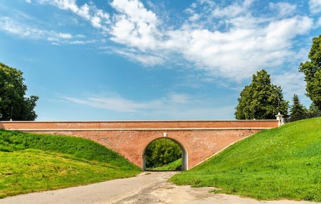 Ponte gleb para o ryazan kremlin, o anel de ouro da rússia