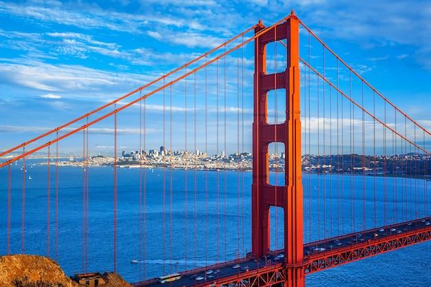Ponte golden gate e centro de são francisco, eua