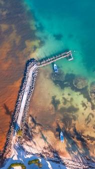 Ponte no mar do caribe