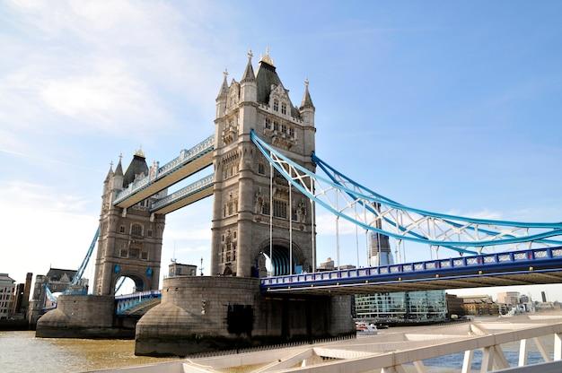 Ponte torre, em, lodon reino unido