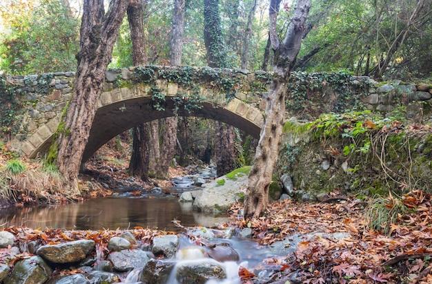 Ponte veneziana medieval em chipre