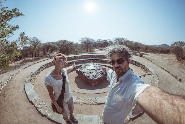 Ponto de vista do meteorito de hoba, namíbia, áfrica.