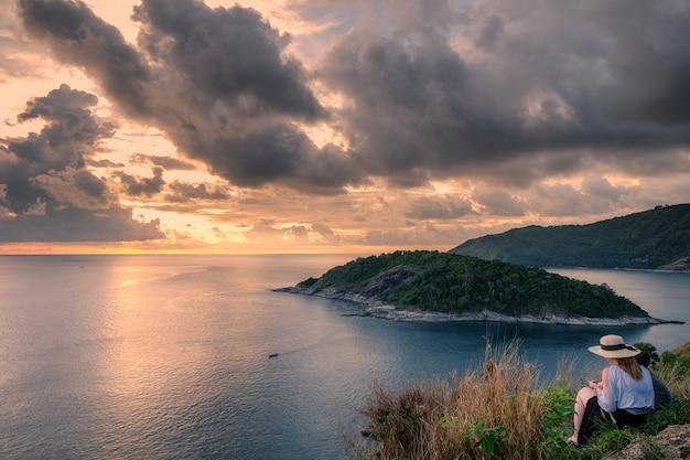 Ponto de vista paisagem laem promthep capa ao pôr do sol