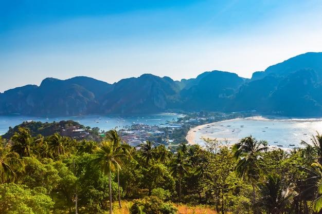 Ponto vista, phi phi don, em, a, noite, e, crepúsculo, em, phi phi ilha, krabi, tailandia