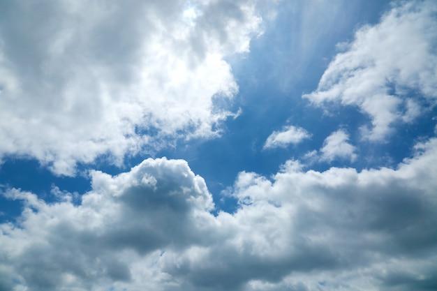 Pôr do sol / amanhecer, com, nuvens, vista panoramic, de, um, céu nublado, em, pôr do sol