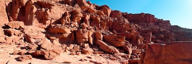 Pôr do sol no cânion que está localizado no deserto