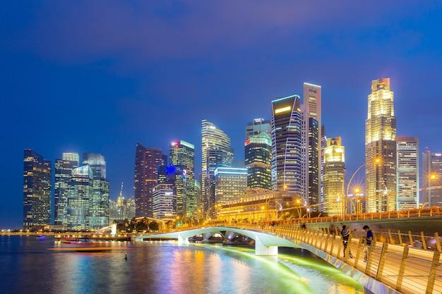 Pôr do sol no centro de singapura
