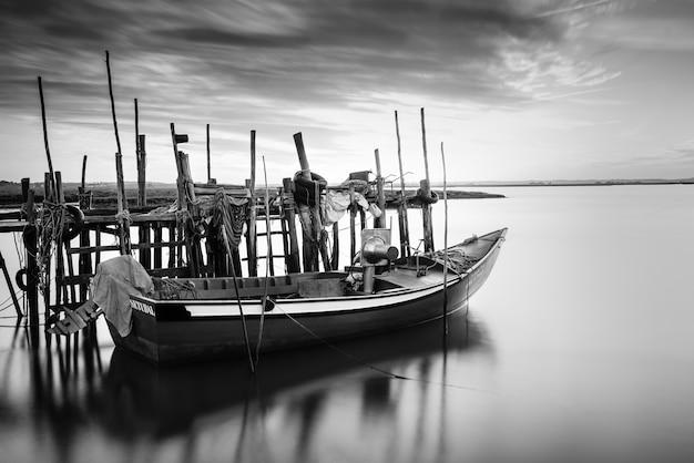 Pôr do sol no porto palafítico da carrasqueira