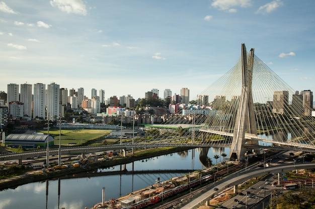 Pôr do sol sobre a ponte octavio frias oliveira - são paulo - brasil