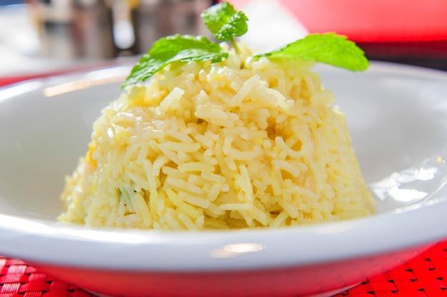 Porção de arroz branco