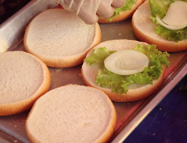 Porco de hambúrguer em comida de rua
