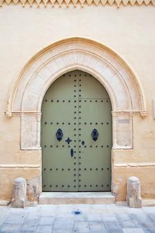 Porta da casa da cidade velha