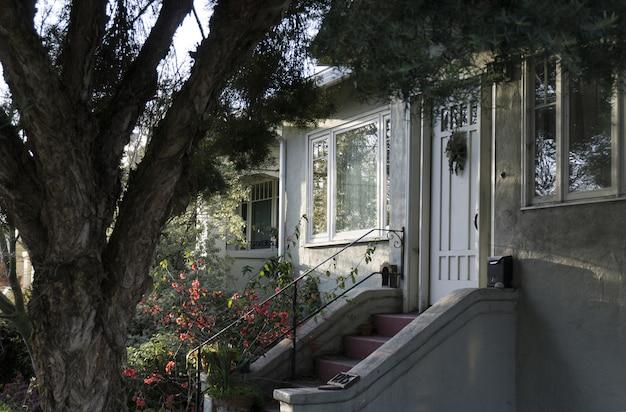 Porta da frente de uma casa