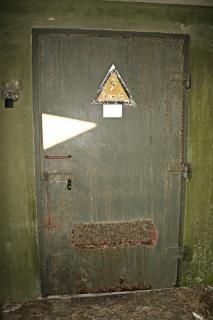 Porta de ferro enferrujada