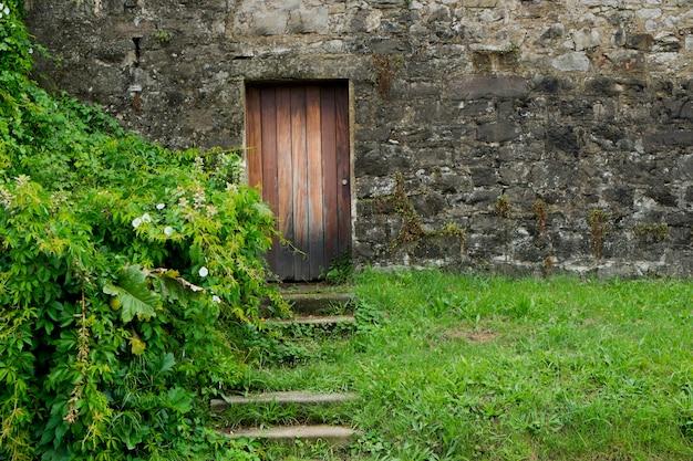 Porta de madeira rústica