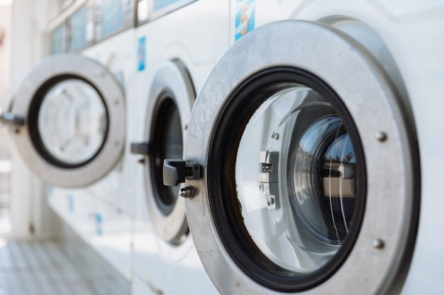 Porta de uma máquina de lavar roupa