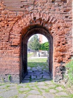 Porta palatina (portão palatino) em torino