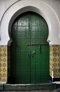 Porta verde antigo