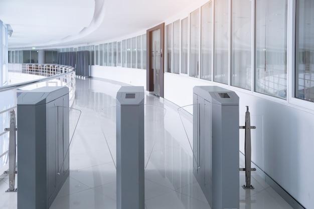 Portão de entrada de segurança sistema de acesso para escritório