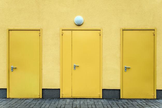 Portas amarelas