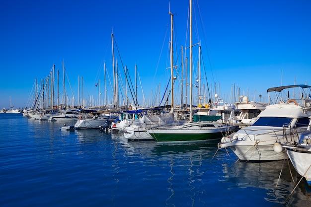 Porto de barcos de marina denia em alicante, espanha