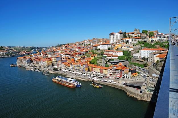 Porto, portugal cidade velha, ponte dom luis no rio douro.