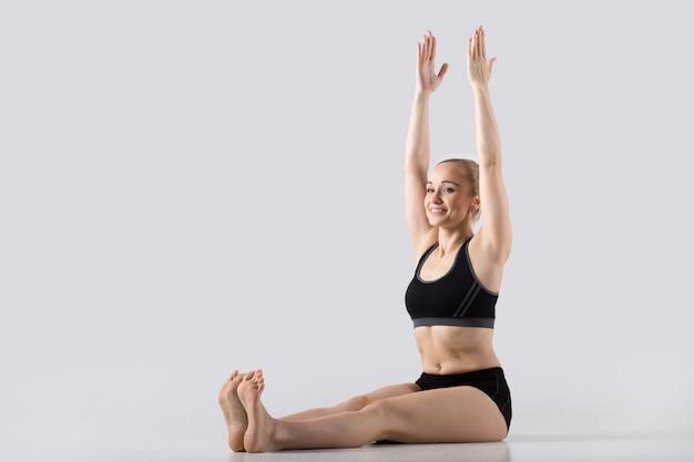 Pose de yoga dandasana