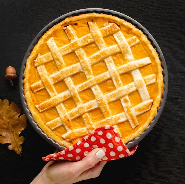 Posição plana de torta de abóbora de ação de graças