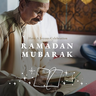 Postagem de mídia social ramadan mubarak com saudação