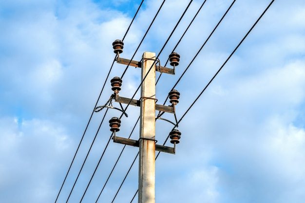 Poste de eletricidade de alta tensão