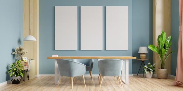 Pôster de maquete com design de interiores de sala de jantar moderna com paredes vazias em azul escuro.